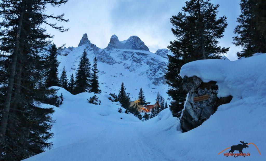 Winterwandern und Schlittenfahren