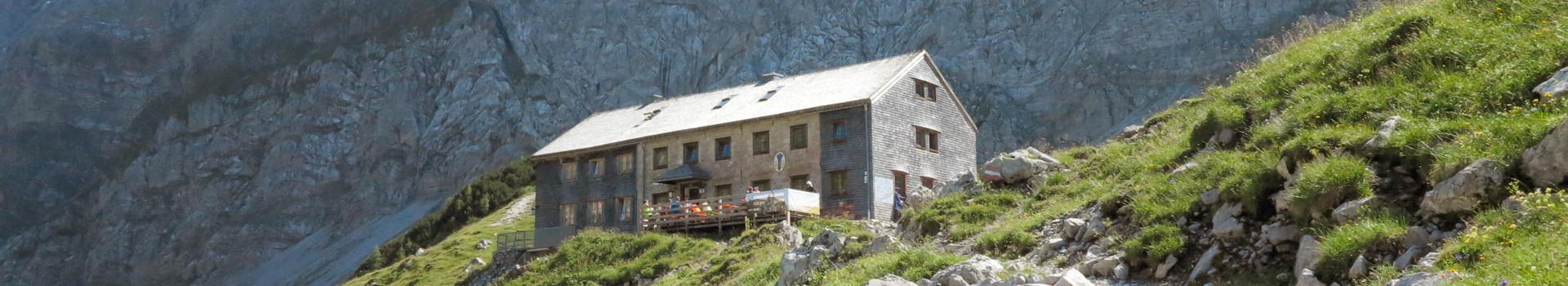 Kleine Karwendelrunde zur Falken- und Lamsenjochhütte